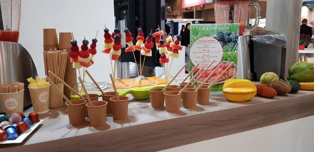 Animation de stand bar à smoothies avec cafés et fruits frais Paris